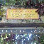 """Maximum 20 """"Orangs"""" at a time on this bridge ;-)"""